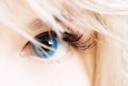 färgade linser utan styrka bruna